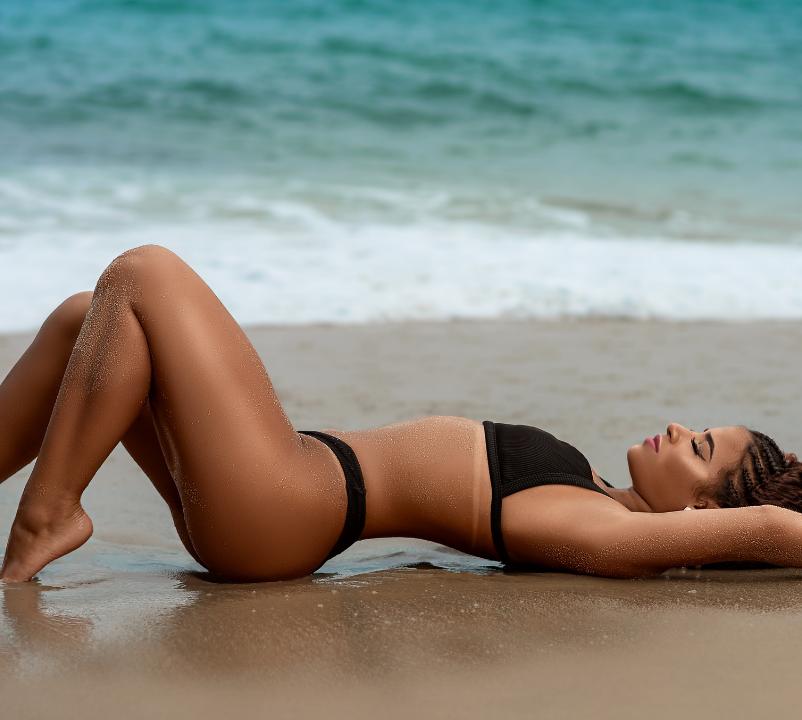 Une femme à la plage